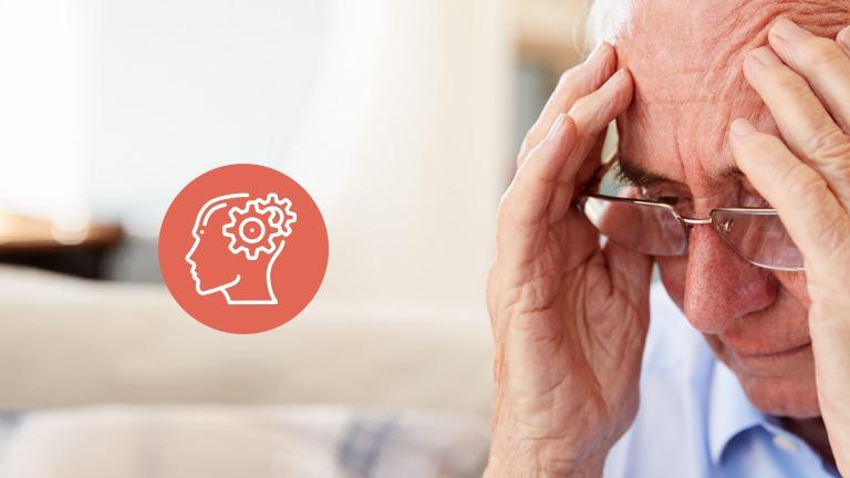 Perda de memória nos idosos / homem com mãos apoiadas na cabeça